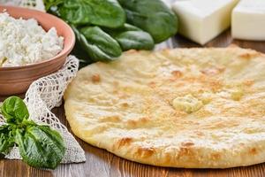 Пирог с сыром и шпинатом