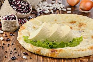Пирог с фасолью и сыром