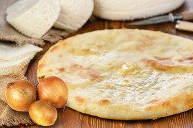 Пирог с сыром и репчатым луком